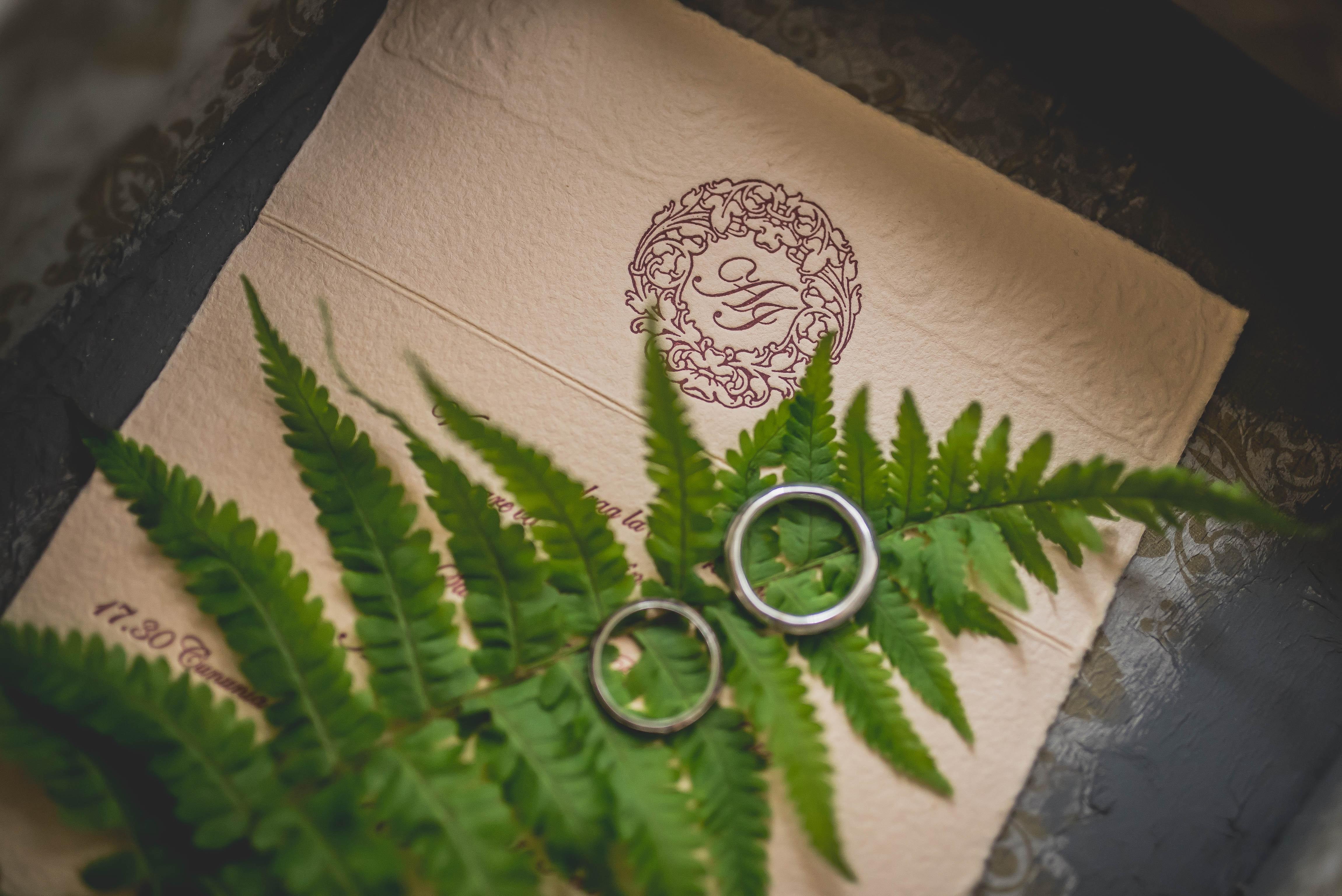 Kilka pomysłów na ręcznie robione zaproszenia ślubne