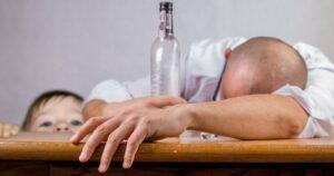 Jak alkoholizm rodziców wpływa na dziecko - pomoc rodzinom z uzależnieniem
